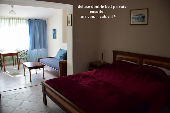 Kolega Guesthouse: double bed room ensuite, cable TV, room size 37 square meters