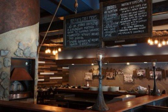 La Grange Park, IL: Bar/oven area