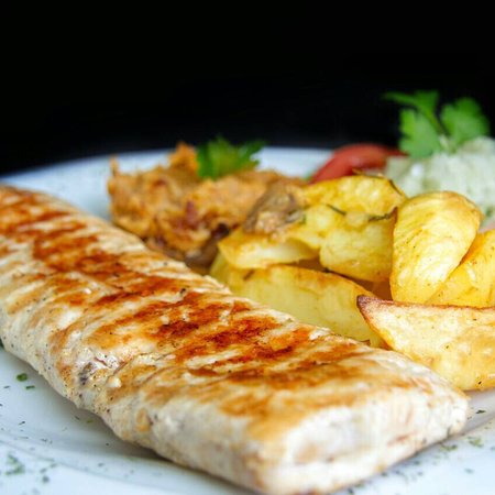 Balkan Grill Montenegro: Zaista poseban dozivljaj rostilja. Preporucujem svim gurmanima i ljubiteljima socne i ukusne hra