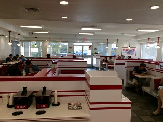 Placentia, Kaliforniya: Seating area