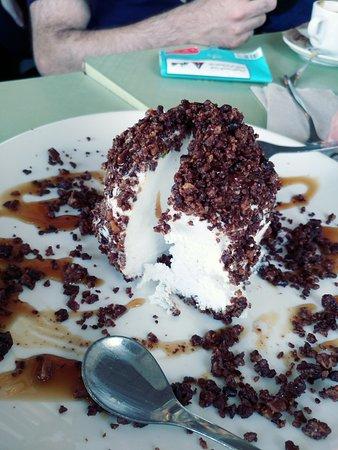 Hakovshim Bistro: Coconut ice cream