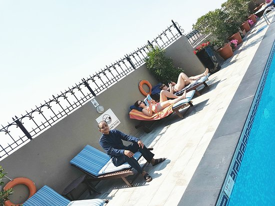 Savoy Central Hotel Apartments: Rooftop