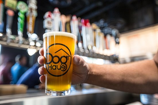 Belmont, Kaliforniya: CRAFT BEERS – a rotating selection of craft beers