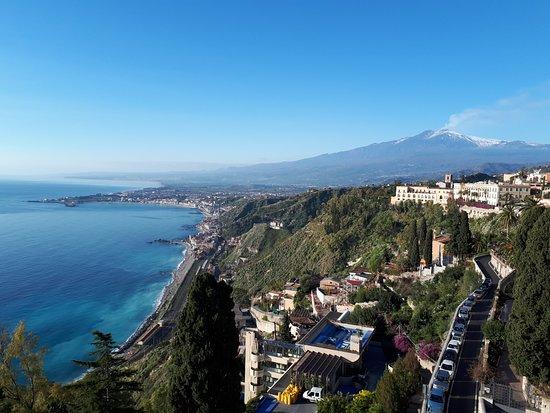 Hotel Villa Paradiso: Vista dalla sala colazione