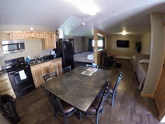 Webster, Южная Дакота: One of corner suites at Motel Property