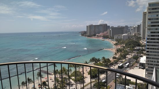 Waikiki Beach Marriott Resort & Spa: VIEW FROM THE FRONT TOWER