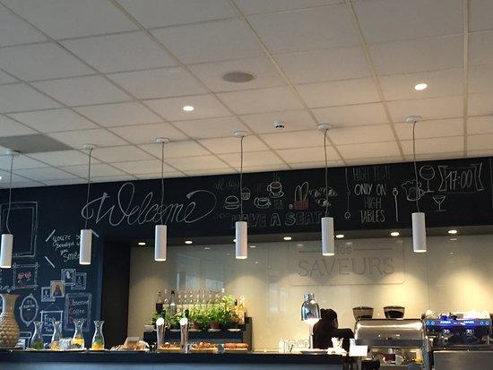 Skotel Amsterdam: Breakfast bar ( and lunch too!)