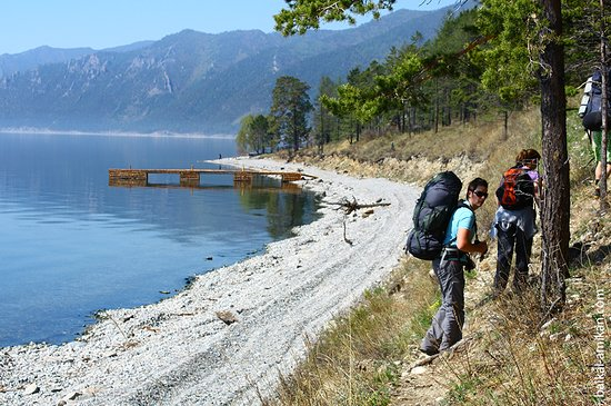 Irkutsk, Russia: Trekking along the shore of Baikal lake