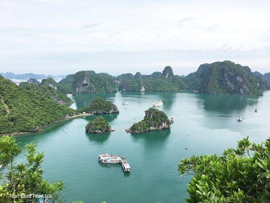 Hai Phong, Vietnam: Halong bay - Titop island