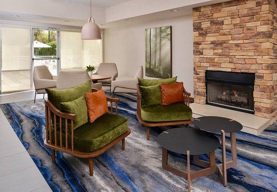 Fairfield Inn & Suites Ocala: Lobby