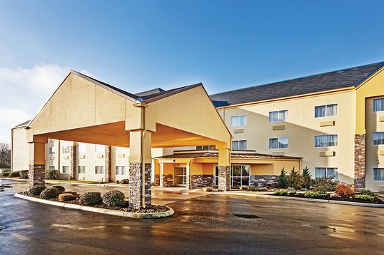 La Quinta Inn  U0026 Suites Knoxville Airport  89    U03369 U03369 U0336