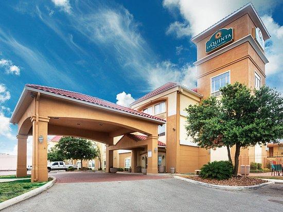 La Quinta Inn & Suites New Braunfels: Exterior