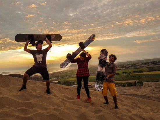 Chimbote, Peru: Live the magic of sand ... live sandboarding