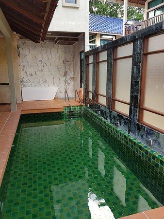 Наш приватный бассейн на вилле
