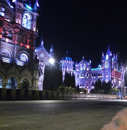 Chhatrapati Shivaji Terminus: CST Railway station from outside. Picture Taken around 5:20am