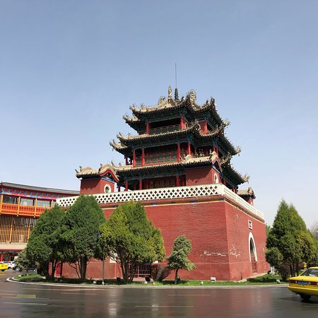 Zhongwei, Китай: The Drum Tower dates to the Ming Dynasty, it was rebuilt in the late 1800s after a fire.