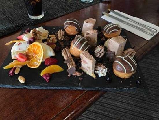 Pittsworth, Australia: Delicious Share plate of desserts. Our chefs create the most amazing food.