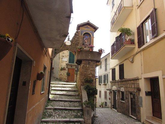 Subiaco, Włochy: piazza di pietra sprecata
