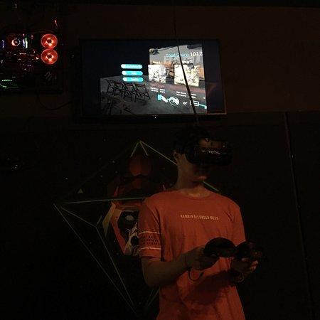 Total VR Arcade - Gateway Ekamai: photo1.jpg