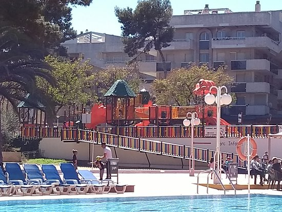 Jaime I Hotel: Large childrens play park/area