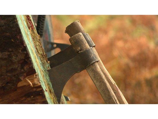 Aviemore, UK: Throw American tomahawks