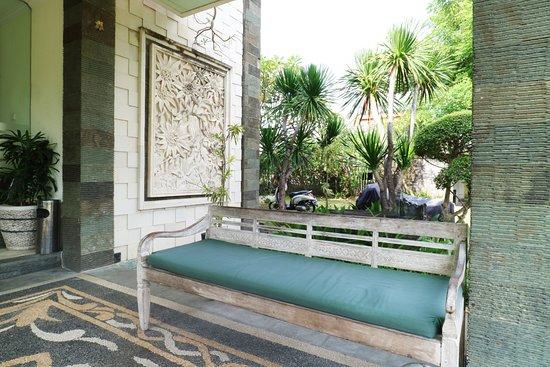 Balcony - Picture of Teges Inn, Kuta - Tripadvisor