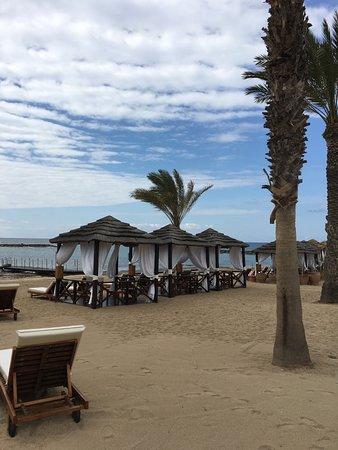 Constantinou Bros Asimina Suites Hotel: Cabanas on the beach to hire