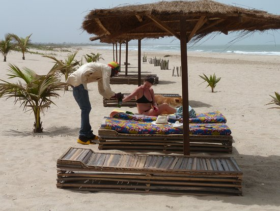 Sanyang, Gambia: Drinks on the beach