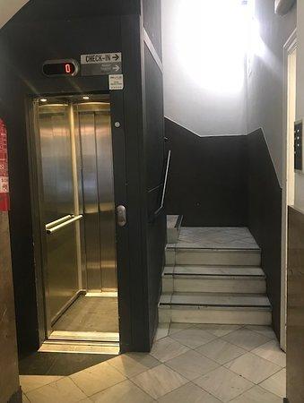DingDong Express: ascensor