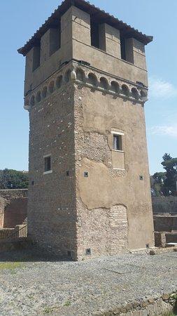 la tour vu sous un autre angle