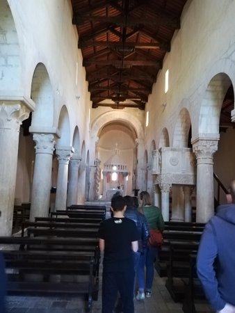 Bominaco, إيطاليا: Navata centrale