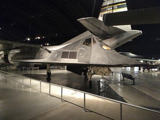 f-117-nighthawk-stealth.jpg