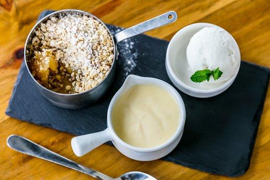 Kendal, UK: Homemade desserts