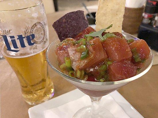 Core BBQ Garden & Bar: マグロのポキ 美味しいマグロだった チャモロ風のタレも良い