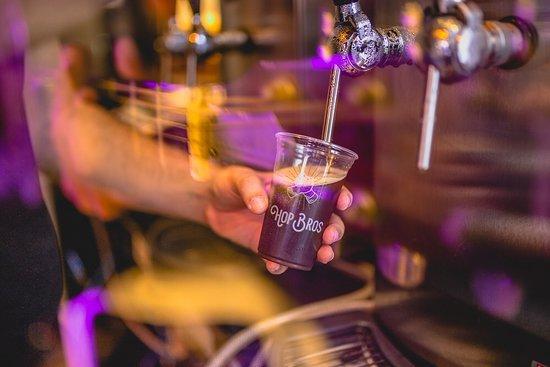 Hop Bros Cervejaria Artesanal
