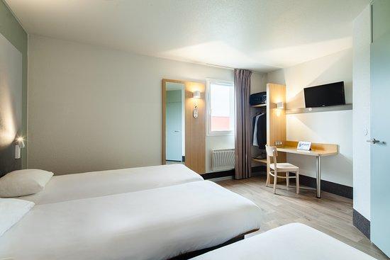 b b hotel evry lisses 1 frankrig hotel anmeldelser sammenligning af priser tripadvisor. Black Bedroom Furniture Sets. Home Design Ideas