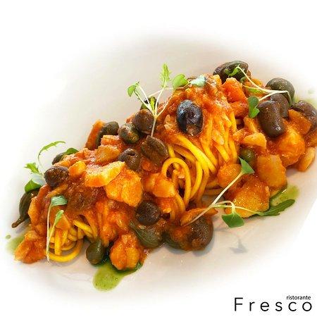 Ristorante Fresco: Chitarrina con baccalà, pomodoro, uvetta sultanina, capperi e olive taggiasche