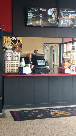 Goshen, Ιντιάνα: Ben's Pretzels is always a treat.  Friendly staff, delicious soft pretzels, and awesome dipping