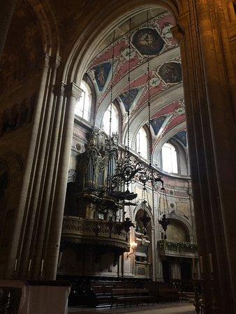 Sé de Lisboa ( Igreja de Santa Maria Maior ): The Se de Lisboa - inside...