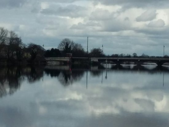Tarmonbarry, ไอร์แลนด์: 20180407_154420_large.jpg