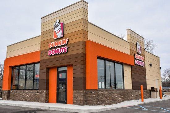 Ramada by Wyndham Harrisonburg: Donkin Donut Operning May2018
