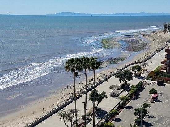 Crowne Plaza Ventura Beach: View From Room