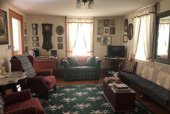 Slaterville Springs, NY: Parlor for guests