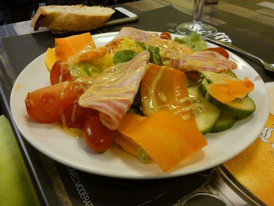 salade, belle décoration et en plus c'est très bon