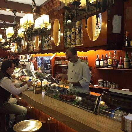 El vaso de oro barcelona barceloneta fotos n mero de for Restaurante la campana barcelona