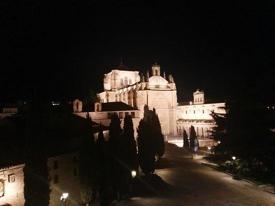 NH Collection Salamanca Palacio de Castellanos: Catedral noche 1