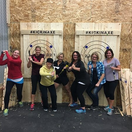 Brandon, Canada: Kickin' Axe Throwing