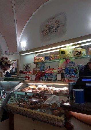 Fiumefreddo di Sicilia, Italy: Bancone