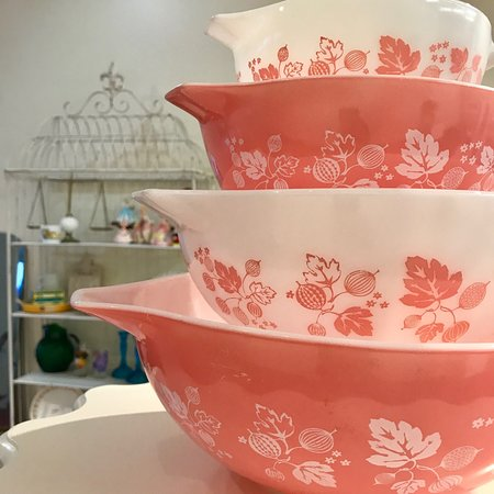 Marietta, GA: Vintage Pyrex Cinderella Bowls