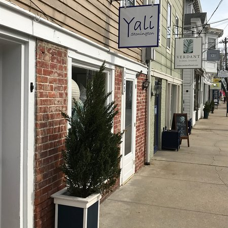 Stonington, CT: Yali